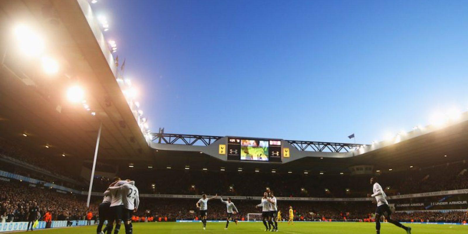 Fue el primer estadio de fútbol de la Premier League inglesa en prohibirlos y los fans del Tottenham ya no los pueden llevar. Foto:Getty Images