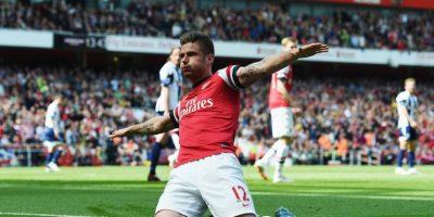 Personal de seguridad del estadio del Arsenal ya ha retirado a fans del inmueble en diversas ocasiones por llevarlos consigo. Foto:Getty Images
