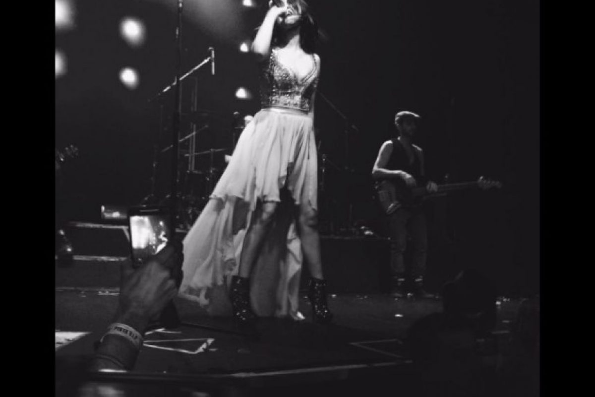 """Aunque la cantante tuviera planes de ser la dama de honor de Anahí, su compromiso con el público de Argentina era más importante, pues ella se encuentra en medio de la gira """"Sin Fronteras Tour"""". Foto:Vía Twitter.com/AboutHerrera"""