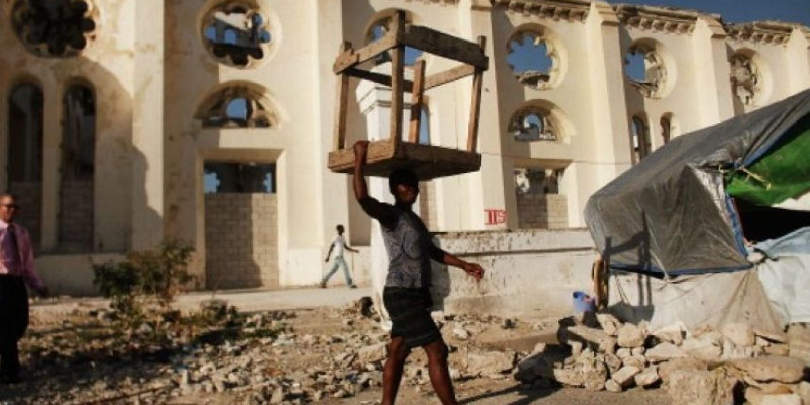 10. 12 de enero de 2012, Haití: Con una magnitud de 7, el terremoto dejó aproximadamente 222 mil 570 muertos, 300 mil heridos Foto:Getty Images