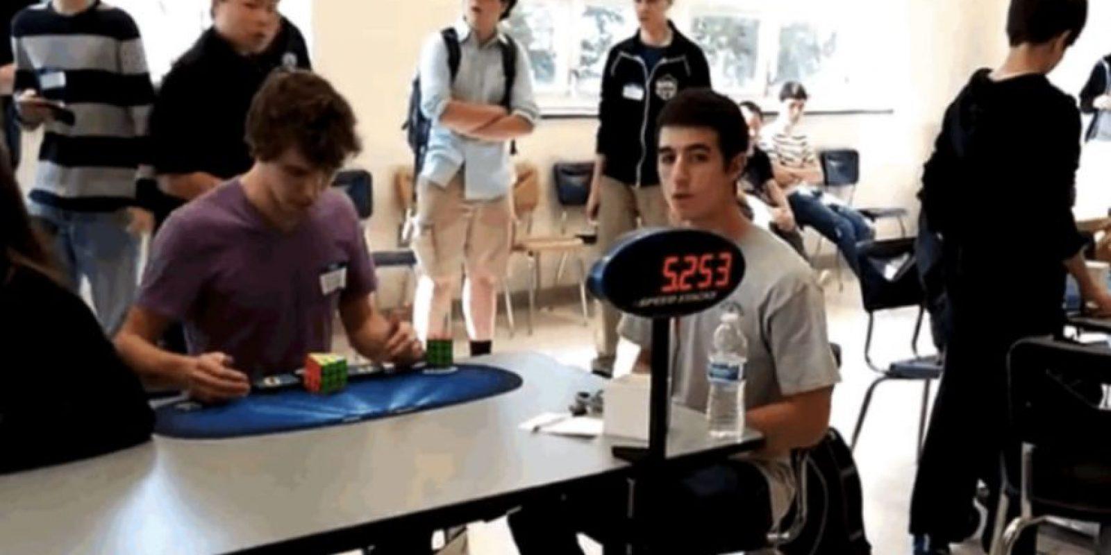 Ayer se rompió la barrera de los cinco segundos y medio para resolver el cubo Rubik de 3x3x3 Foto:DGCubes