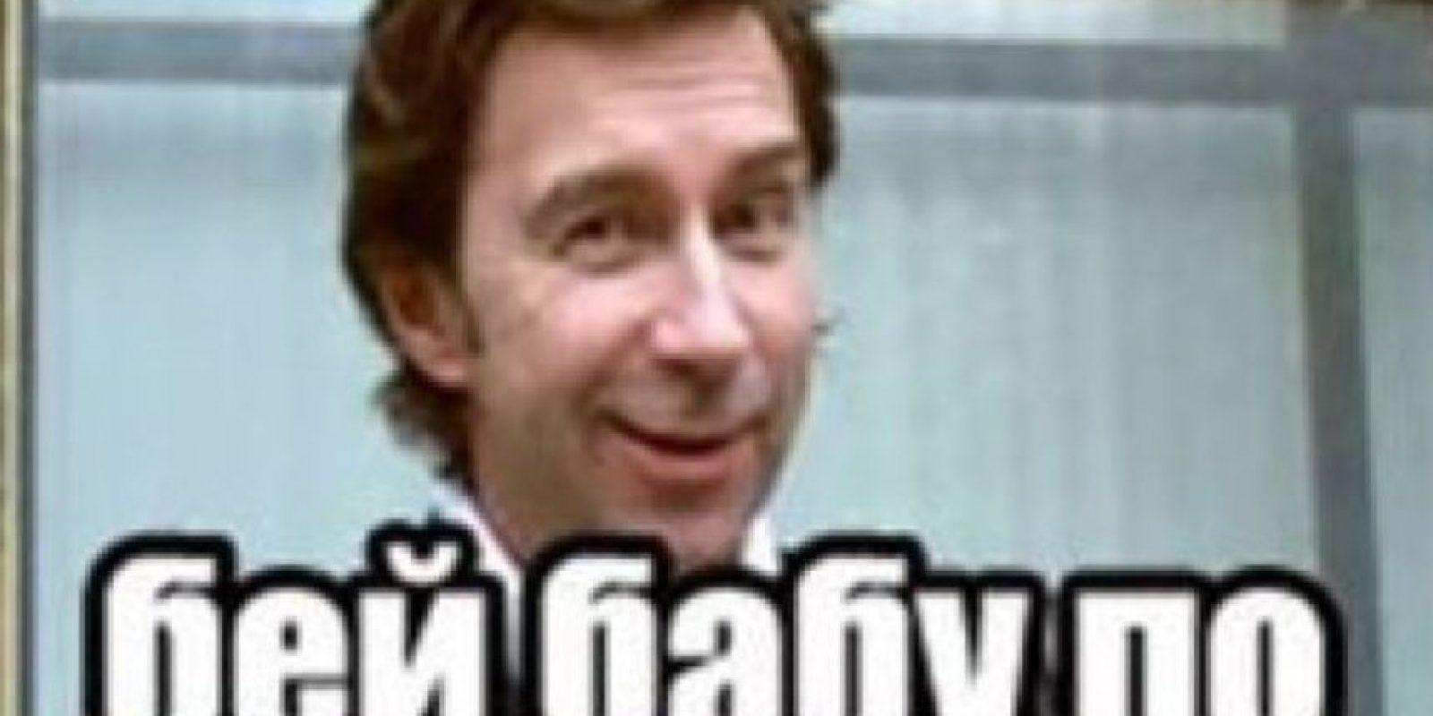 La agencia rusa encargada de velar por los medios de comunicación online ha emitido un comunicado prohibiendo los memes en los que se muestran personajes famosos en actitudes que no tengan que ver con su personalidad. Foto:vía Twitter