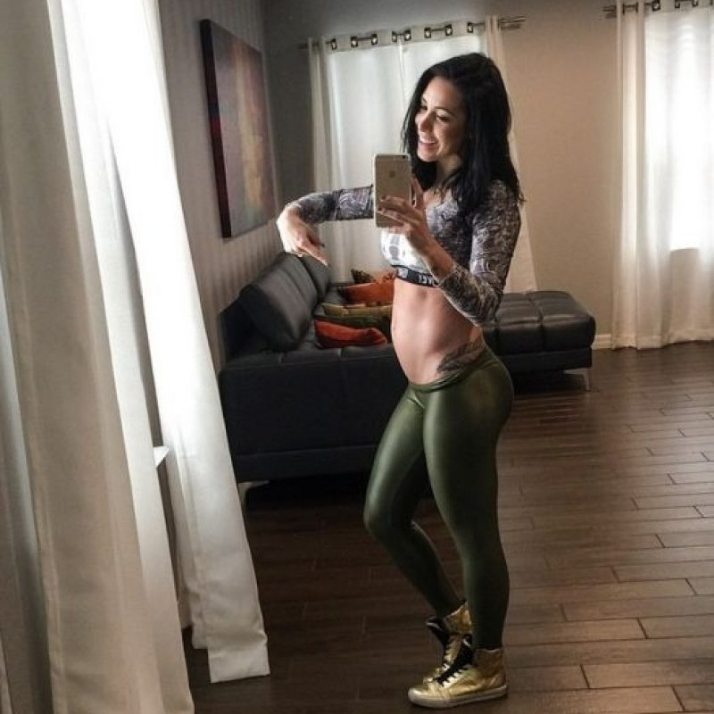 18 semanas de embarazo Foto:instagram.com/bella.falconi/