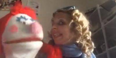 Rompió una relación amorosa debido a que quería darle todo a sus marionetas. Foto:Vía Facebook.com/april.brucker