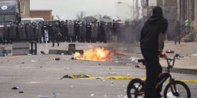 "VIDEO: Mamá ""atrapa"" a su hijo realizando destrozos en Baltimore"