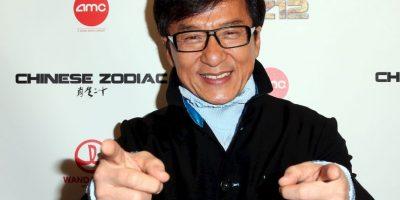 """El héroe de acción, no siempre fue un maestro de las tomas de artes marciales. Antes de hacerse famoso, en 1975, tuvo el papel principal en una película china XXX llamada """"All in the Family"""". El actor nunca aceptó su pasado en la industria porno. Foto:Getty Images"""