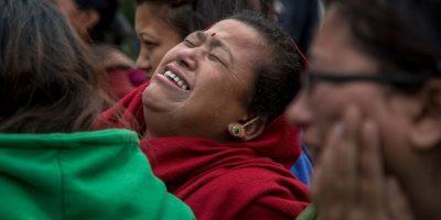 Familiares de las víctimas sufren su perdida. Foto:Getty Images