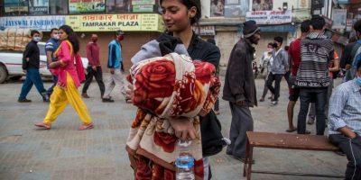 11. Miles de personas actualmente duermen en tiendas de campaña instaladas en las calles de la capital de Nepal. Foto:Getty Images
