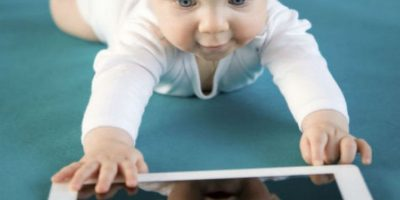 Estudio: Bebés aprenden a usar smarphones antes que hablar o caminar