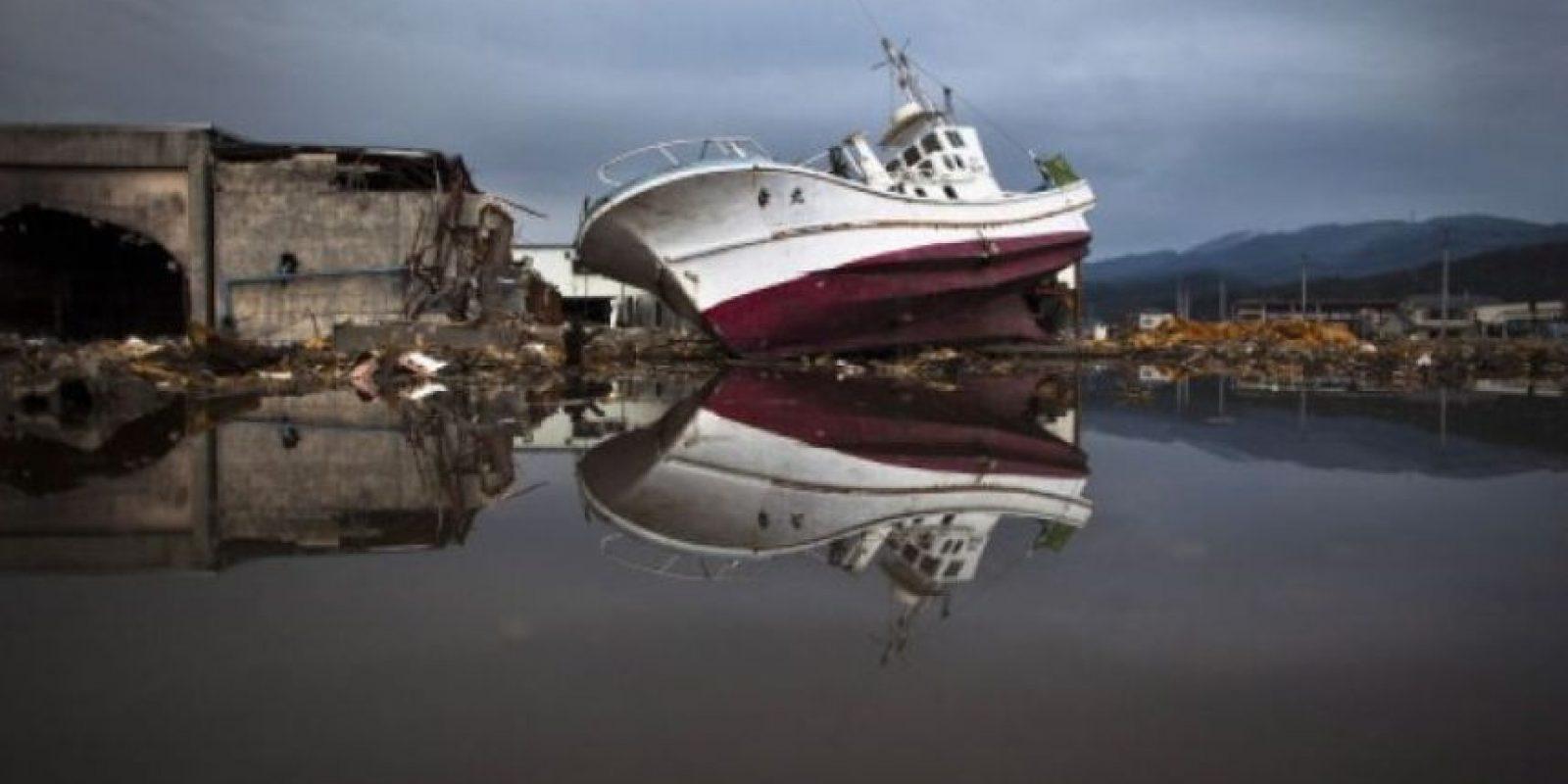 9. 11 de marzo de 2011, Japón: Es el terremoto más poderoso que ha atacado a Japón. Con una magnitud de 9.0, el sismo provocó un tsunami que causó la muerte de más de 15 mil personas, seis mil 150 heridos y más de dos mil 612 personas desaparecidas. Foto:Getty Images