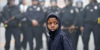 2. 5 mil: es el número de policías que mantienen sitiada la ciudad. Foto:AP