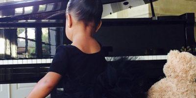 Kim Kardashian se siente orgullosa de estar dándole a su hija una educación completa. Foto:Instagram/KimKardashian