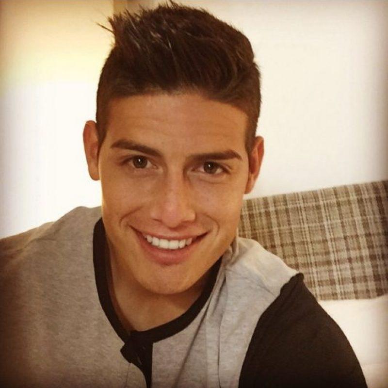 James tiene 22 años y está casado con Daniela Ospina, con quien tiene una hija. Foto:Vía instagram.com/jamesrodriguez10