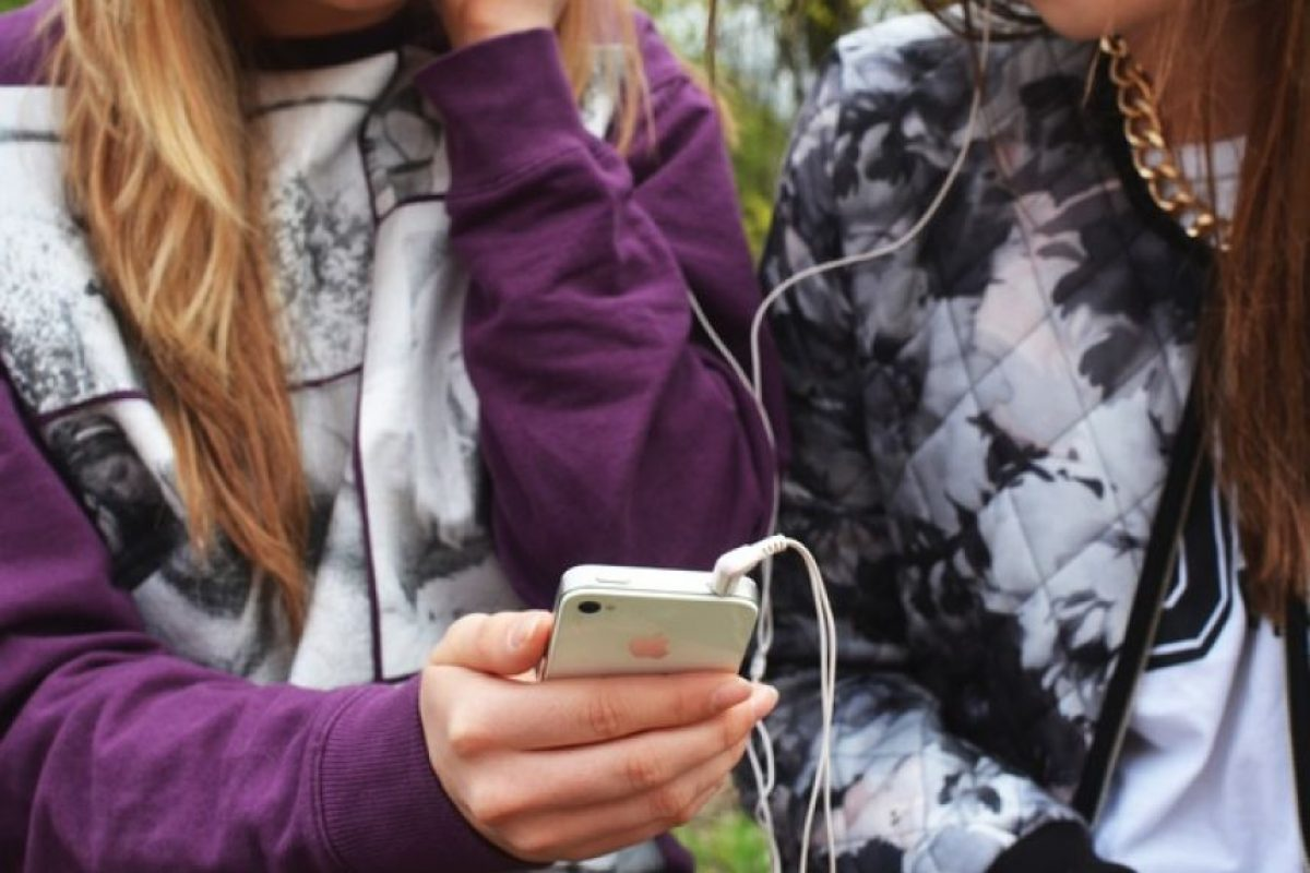 7. La OMS, Organización Mundial de la Salud clasifica los teléfonos celulares como un riesgo debido a la emisión de radiación. Los niños son más sensibles a estos agentes y existe el riesgo de contraer enfermedades como el cáncer. Foto:Pixabay