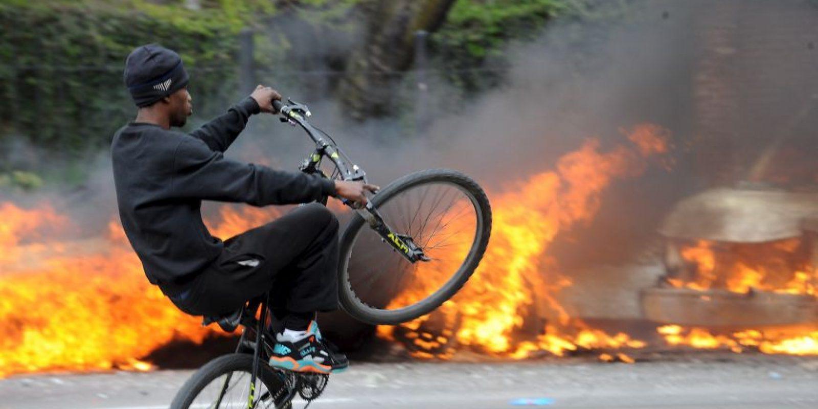 1. 200: es el número de detenidos que hubo tras las protestas de ayer, al menos así lo dio a conocer la alcaldesa Stephanie Rawlings-Blake. Foto:AP