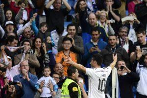 El Madrid superó en casa a un rival que le exigió poco y sigue en la carrera por la Liga. Foto:AFP