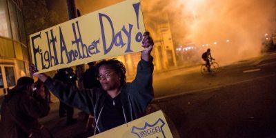 Cuando entró en rigor el primer día del toque de queda mucha gente permaneció en las calles. Foto:Getty Images