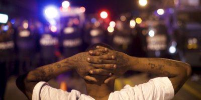 La intensidad del choque entre manifestantes y policías fue más baja que la de la primera noche. Foto:Getty Images