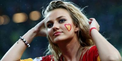 La belleza alentando a la Selección de España Foto:Vía twitter.com/girlsforultras