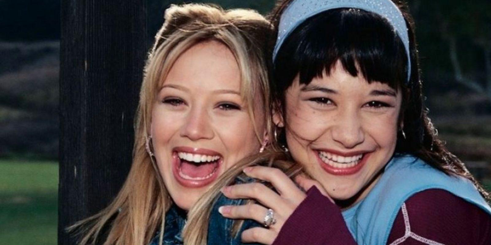 "Hilary Duff (""Lizzie McGuire) y Lalaine (Miranda) Foto:Facebook/LizzieMcGuire"