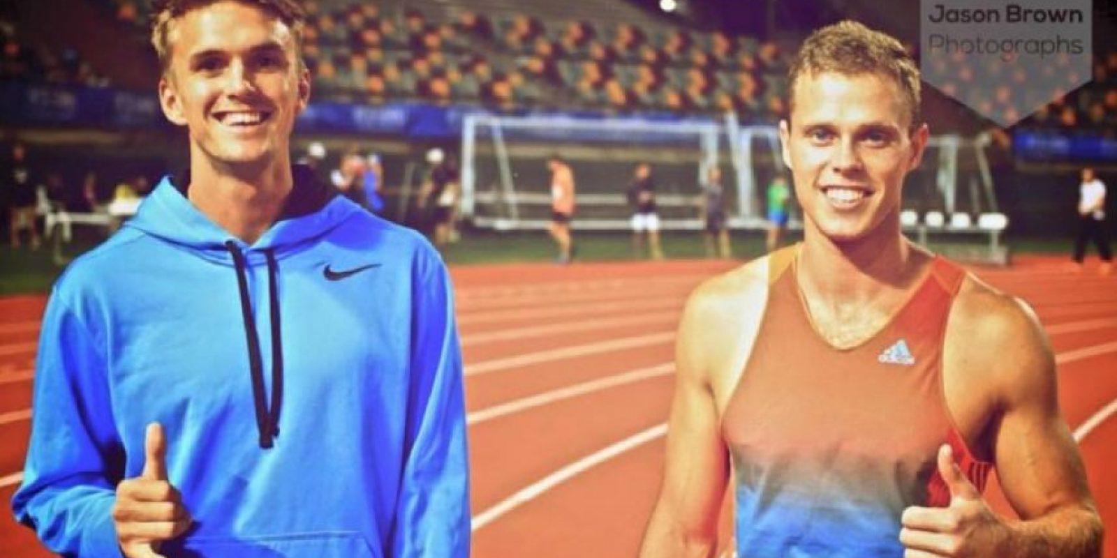 Tommy (derecha) en una competencia de atletismo. Foto:facebook.com/tommy.connolly.39