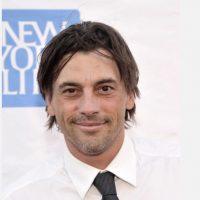 """Skeet apareció en """"Mejor Imposible"""" y en la serie de culto """"Miracles"""". Está divorciado. Foto:vía Getty Images"""