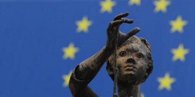 European Union (Unión Europea) – Es una comunidad política creada para propiciar y acoger la integración y gobernanza en común de los Estados y los pueblos de Europa. Foto:Getty Images