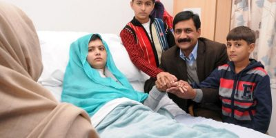 Debido al atentado que sufrió por parte del TTP, grupo terrorista vinculado a los Talibanes, tuvo que ser intervenida quirúrgicamente. Foto:Getty Images