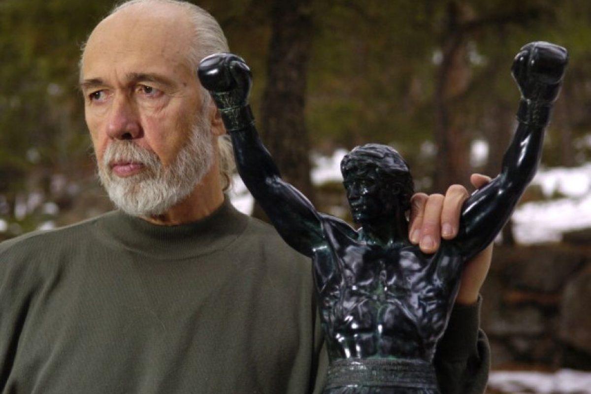 """El escultor Thomas Schomberg esculpió una estatua del mítico personaje de Sylvester Stalone, """"Rocky Balboa"""" la cual se exhibe en el Museo de Filadelfia. También se venden réplicas en miniatura de esta obra y tienen un costo de 278 dólares. Foto:Getty Images"""