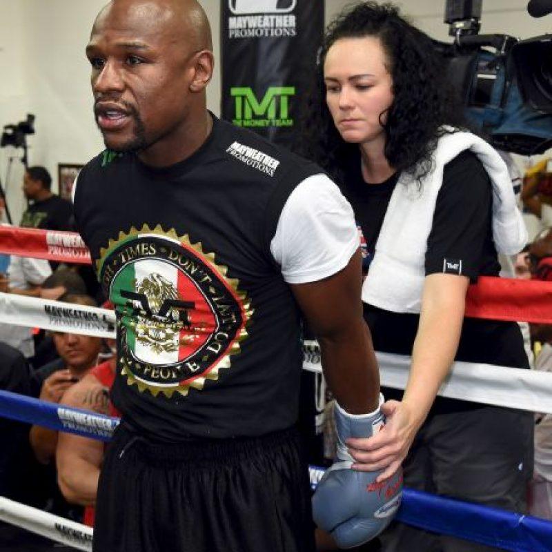 7. Si Floyd vence entre el séptimo y décimo segundo rounds, se pagan nueve dólares Foto:Getty Images