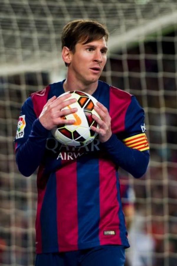 Lionel Messi, considerado uno de los dos mejores futbolistas del mundo, ha recibido críticas por su habilidad en los cobros penales. Foto:Getty Images