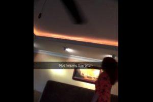 Nuevamente, la barbadense se enfrenta al animal Foto:Snapchat/Rihanna