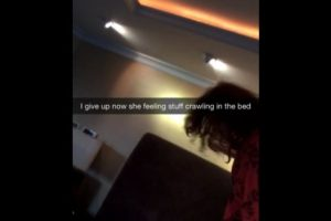 Después de un tiempo, siente que algo se arrastra en su cama Foto:Snapchat/Rihanna