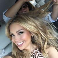 """Matthew y Thalía se """"enfrentan"""" cara a cara con guantes de box Foto:Instagram/Thalia"""