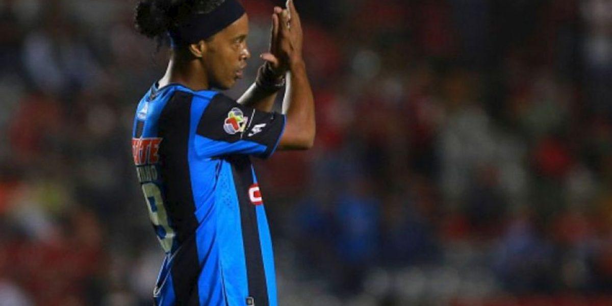 Ronaldinho le dice adiós al futbol mexicano