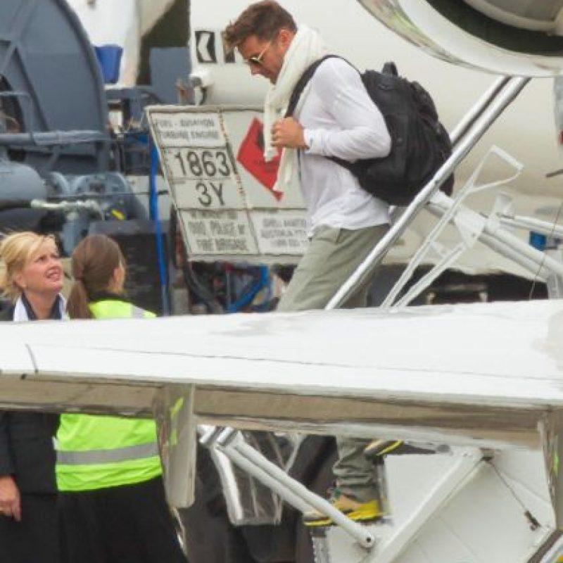 Ricky Martin es el último en bajar de su avión Foto:Grosby Group