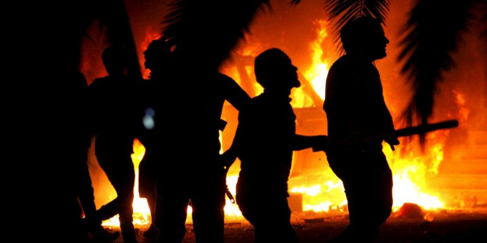 9. El grupo terrorista genera esa cantidad de dinero mediante la venta del petróleo, que estos se apoderaron de varias refinerías en Irak y Siria. Foto:AP