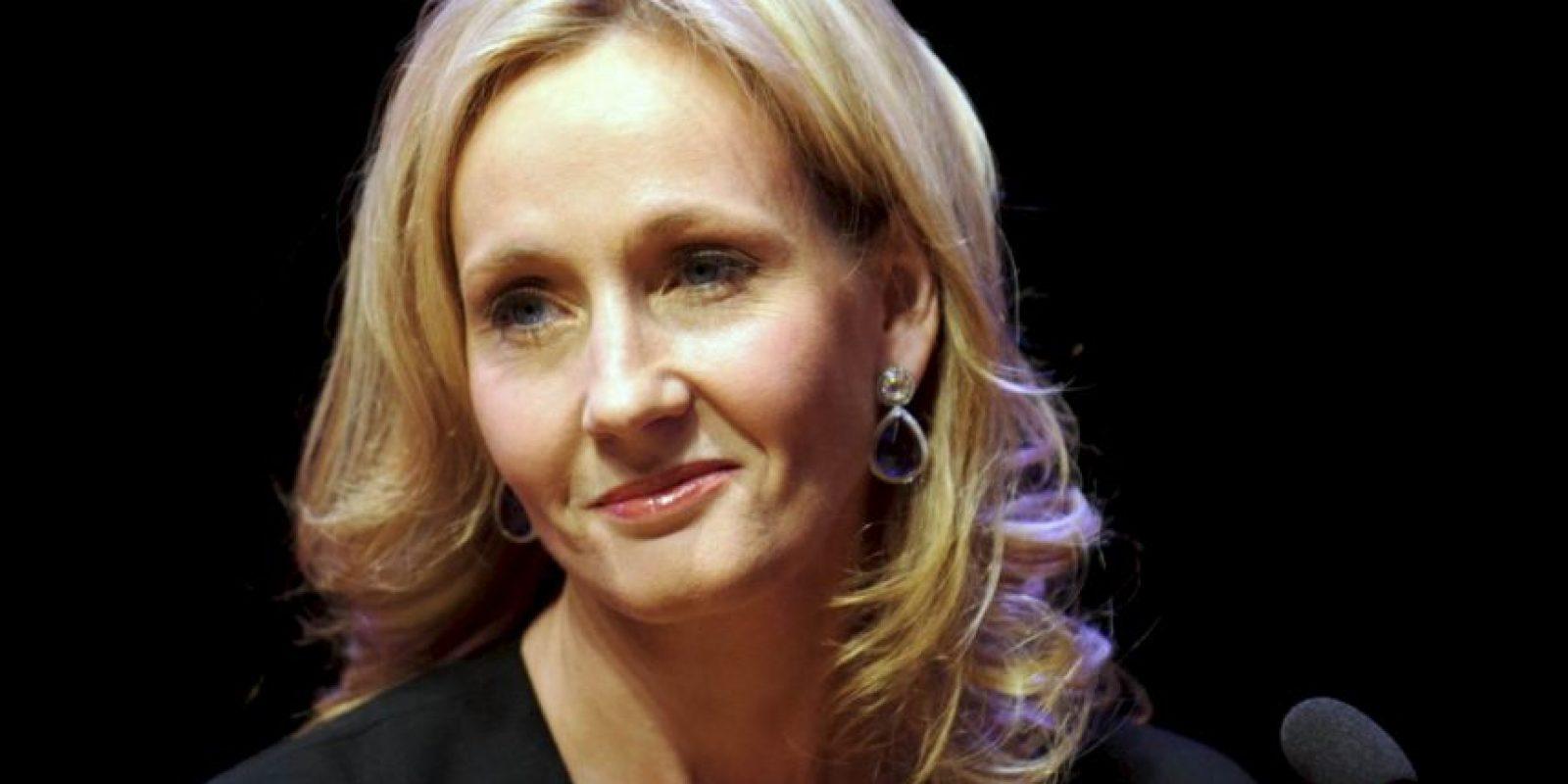 """J.K. Rowling, autora de """"Harry Potter"""", afirma que se ha rehusado a leer la trilogía por una promesa hacia su editor. Foto:vía Getty Images"""