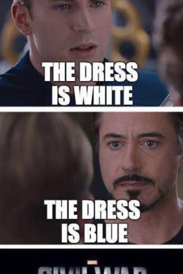 """""""Steve"""" y """"Tony"""" nunca se pusieron de acuerdo sobre de qué color era el vestido. Foto:vía Facebook/Robert Downey Jr.vía Facebook/Robert Downey Jr."""