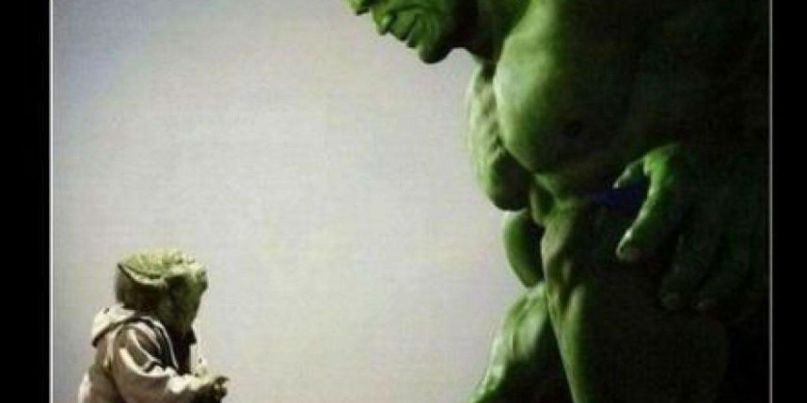 """Yoda"" le revela a ""Hulk"" que él es su padre. Foto:vía QuickMeme"