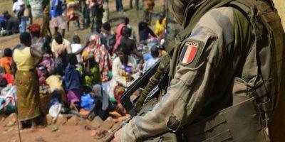 François Hollande promete castigar a soldados acusados de violación
