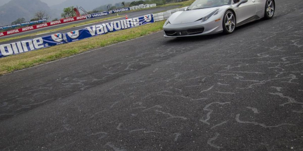 VIDEO. El Xtreme Xperience correrá su última vuelta en el autódromo Pedro Cofiño
