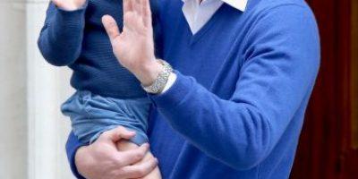 FOTOS: Así celebró el príncipe George la llegada de su hermanita