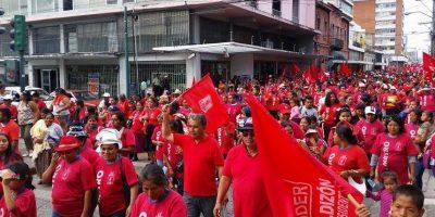 Usuarios reportan caos vial por Asamblea del partido Líder