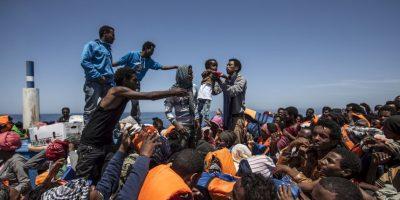 Italia rescata nuevo grupo de inmigrantes provenientes de África