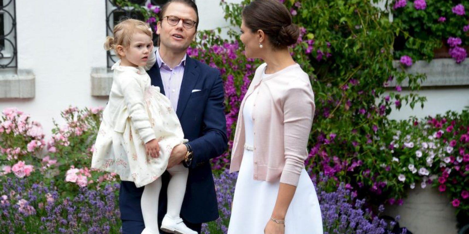 Es hija del príncipe Daniel y la princesa Victoria. La pequeña tiene tres años. Foto:Getty Images