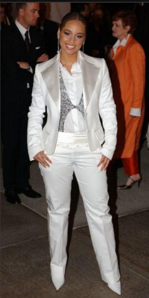 """Esto le quedaría bien a gente como """"Los Tigres del Norte"""". Pero Alicia Keys no entendió eso en 2004. Foto:vía Getty Images"""