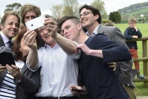 El actual Primer Ministro, David Cameron, busca mantenerse en el poder Foto:AFP