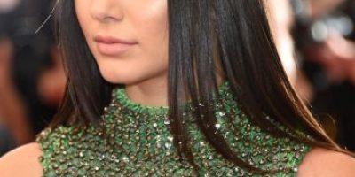 Kendall Jenner presume escote en la gala del MET 2015