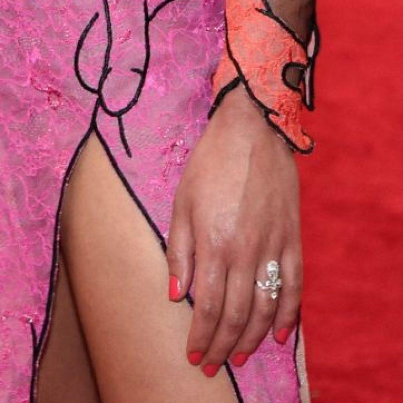 El vestido de FKA Twigs llamó la atención debido a los diseños eróticos que contiene. Foto:Getty Images